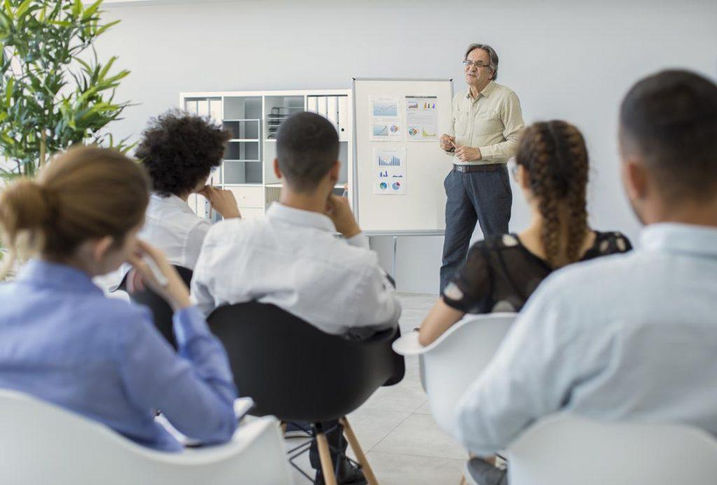 dyskusja na temat szkolenia